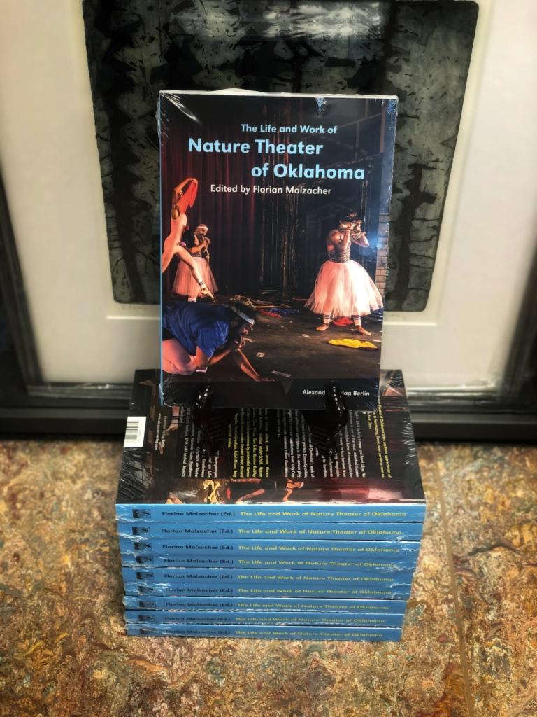Nature Theatre Bok